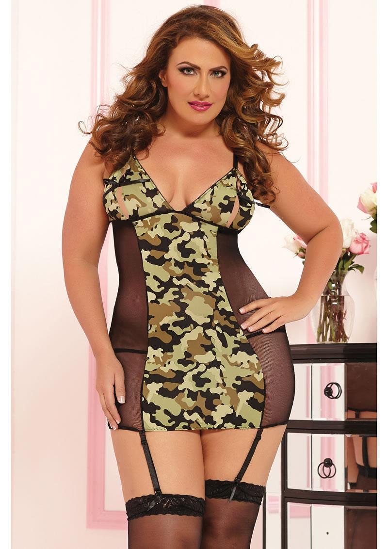 Commander In Chic-chemise And Thong-camo-x